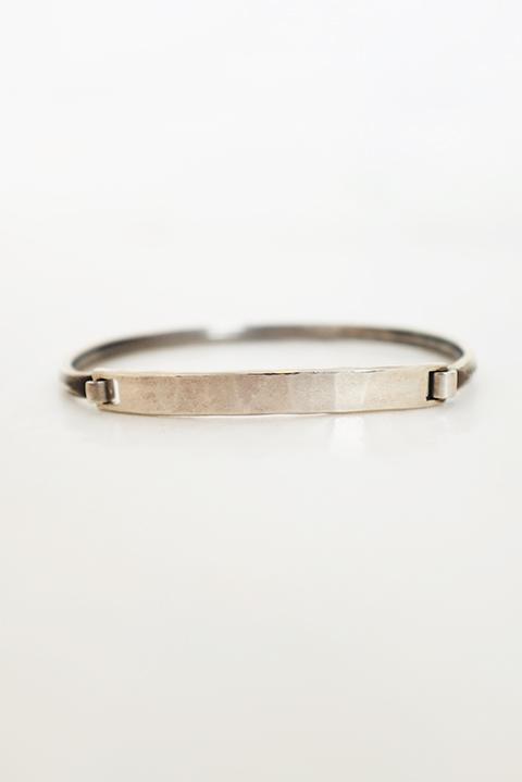 画像1: WERKSTATT:MUNCHEN-ワークスタットミュンヘン Bracelet closure tag hummered  (1)